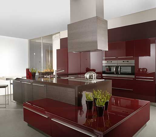 Sleek And Contemporary European Style Kitchen With High