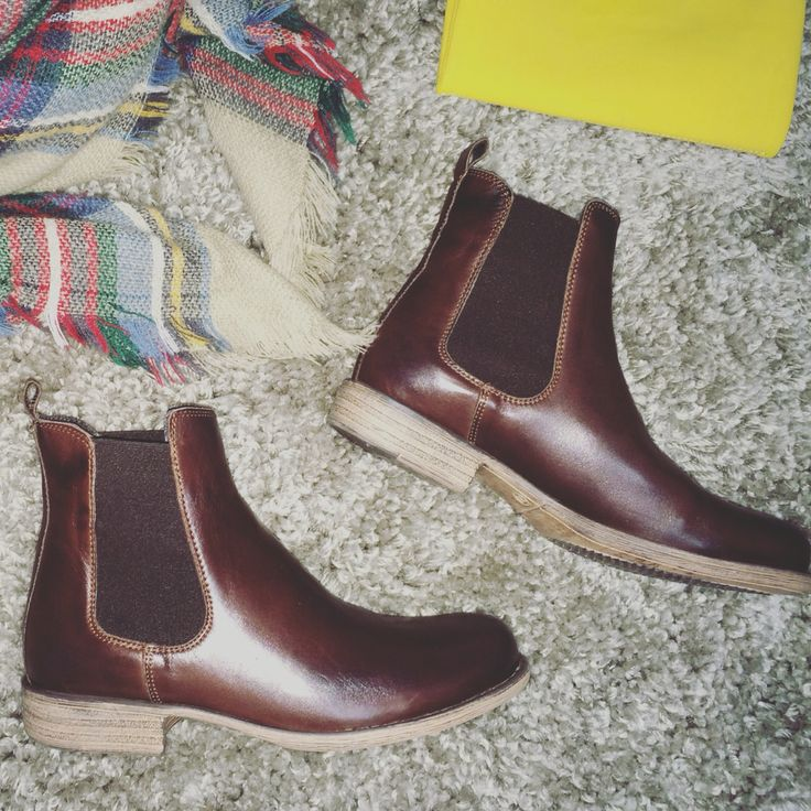 Chestnut Brown Chelsea Boots