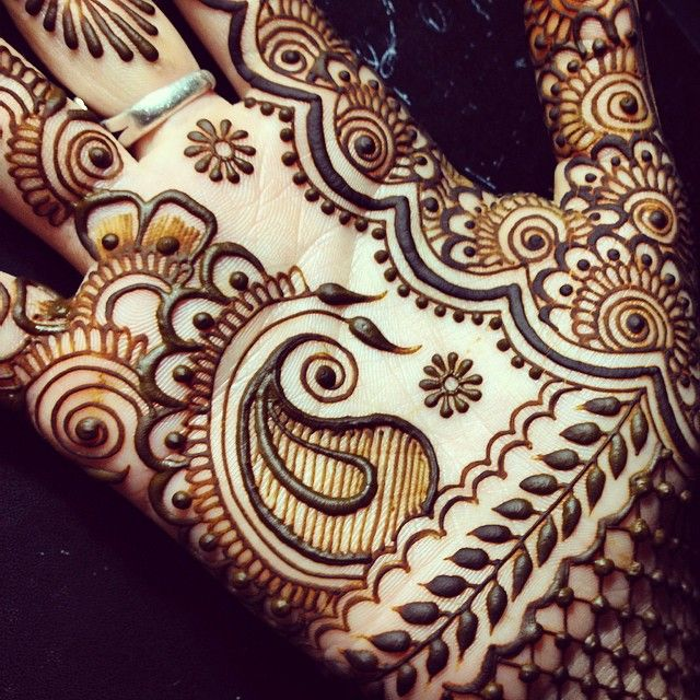 Midnight #maplemehndi experiment. Any followers in #NorthCarolina? I'm heading…