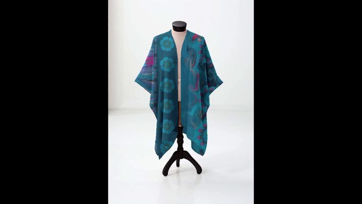 Gorgeous Kimono Wraps By Deb Schlier, artist designer Steady Threads Studio. Your purchase helps me qualify to be one of their featured artists on an upcoming show of HSN. Use discount code HSN-JLAC through July 12, 2017 or check https://shopvida.com/collections/deb-schlier for a current discount code. Designer kimonos, tanks, tees, business casual, mom style, career mom, college grad, fashion week, fashionista, artwear, curvy girls, fashion hunter, etsy fashion hunter, vida, shopvida