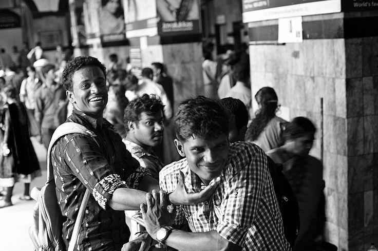 FACEscapes: Train Station, Thiruvananthapuram, Kerala, Índia.