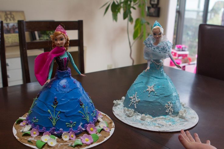 Doll Cakes Anna and Elsa: Frozen Doll Cake, Cakes Anna, Doll Cakes ...