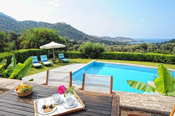 Crete villas for rent, two (2) luxurious villas designed to provide a relaxing and delightful stay, set amongst the impressive mountains and wonderful gardens with flowers, fruit and olive trees; now available for the short term rent…