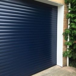 Cardale Thermaglide 77 Automated Insulated Roller Garage Door in Midnight Blue & Best 25+ Cardale garage doors ideas on Pinterest | Side hinged ... pezcame.com