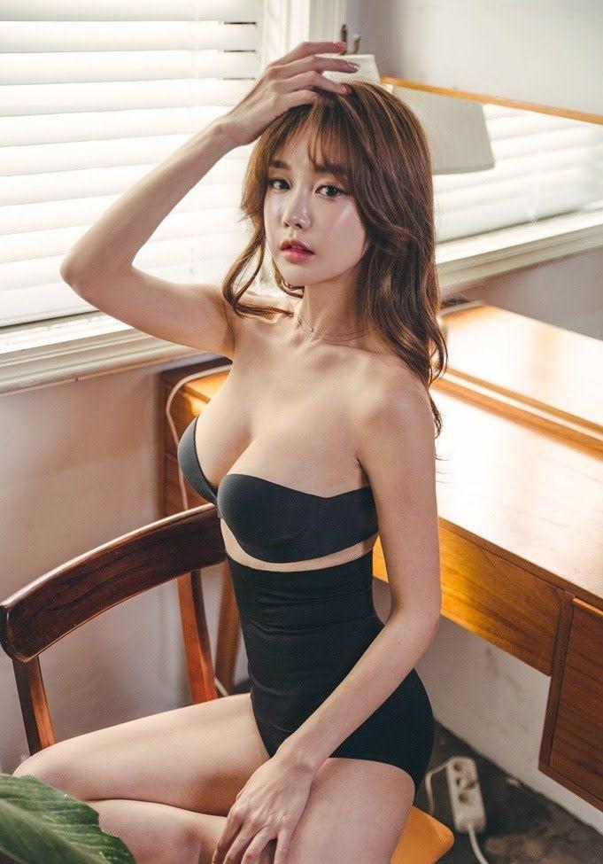 Yoon Ae Ji Korean model hot images - Jeans Set - Jan.2018