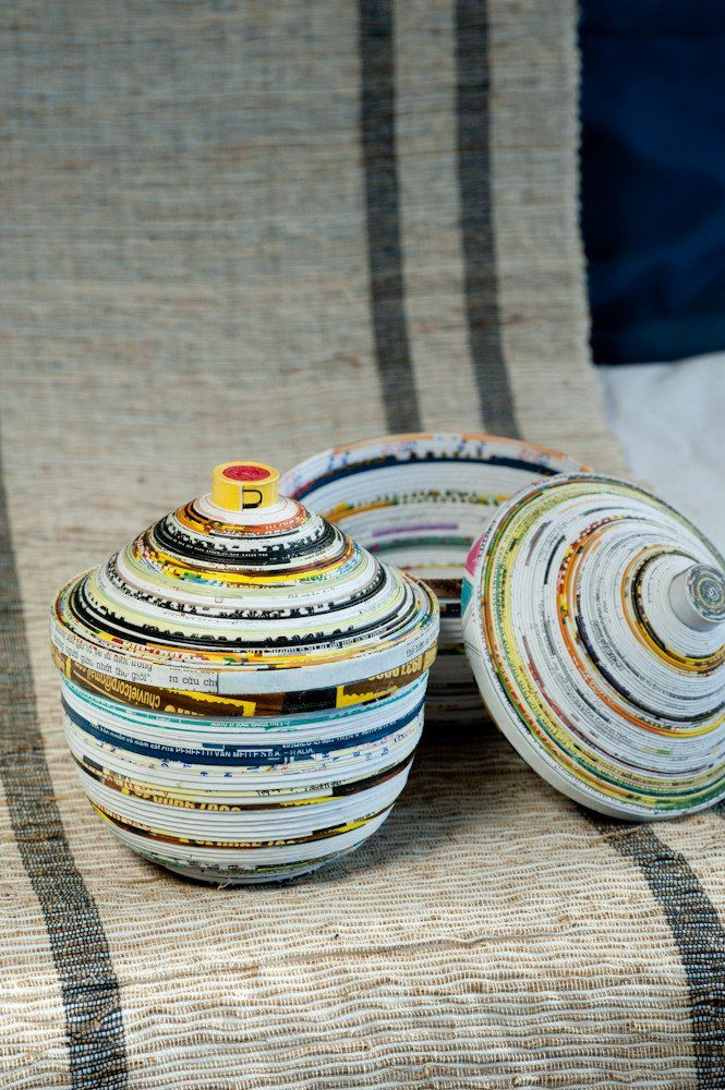 17 best ideas about recycled magazines on pinterest for Rolled magazine paper crafts
