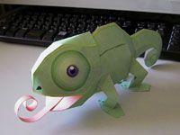 Papercraft imprimible y armable de un camaleón / chameleon. Manualidades a Raudales.