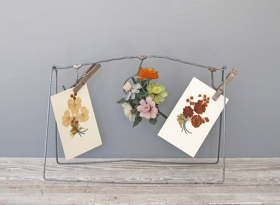 vintage metal display rack by KatyBitsandPieces on Etsy, $15.00