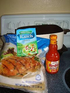 Buffalo chicken in the crock pot: Frozen Chicken, Lb Frozen, Buffalo Sauces, Crockpot Buffalo, Bottle Buffalo, Slow Cooker, Crock Pots 3, Chicken Breast, Buffalo Chicken