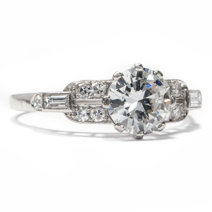 Für Dich nur das Beste! - Antiker Art Déco Platin Ring mit 1,71 ct erstklassigen Diamanten, um 1940 von Hofer Antikschmuck aus Berlin // #hoferantikschmuck #antik #schmuck #antique #jewellery #jewelry