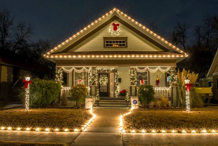 Christmas in the Historic Fairmount District in Fort Worth, Texas - Arts & Crafts - Craftsman - A-Frame - Bungalow