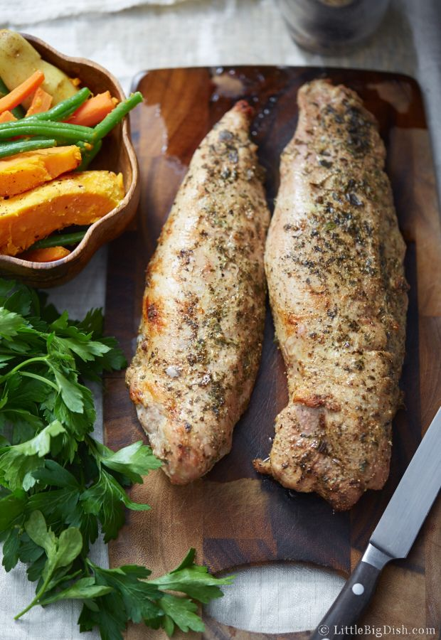 This paleo recipe for pork tenderloin baked in the oven is very simple and makes tender, succulent and flavorful meat. Takes only 25 minutes to cook.