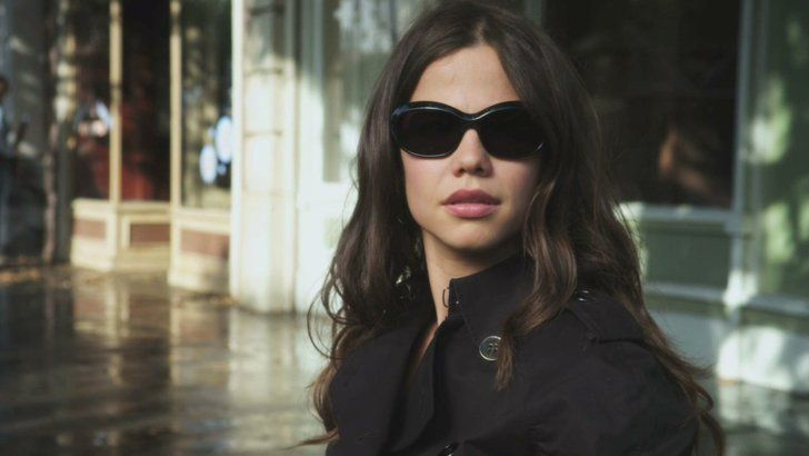 Pin for Later: So, How Old Is Everyone in the Pretty Little Liars Cast? Jenna Marshall (Tammin Sursok) Jenna's Age: 23 Sursok's Age: 32 *Jenna has not yet returned since the five-year time jump.