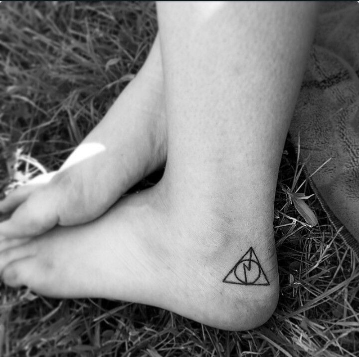 Wonderfull harry potter tattoo. Maybe one day i will let my inner geek out and get this tattoo..