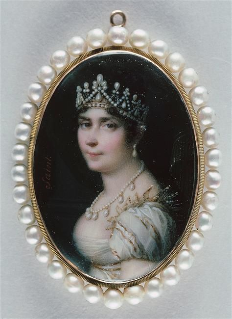 Joséphine de Beauharnais the first empress of France, wife of Napoleon.  Another pic of the pearl parure