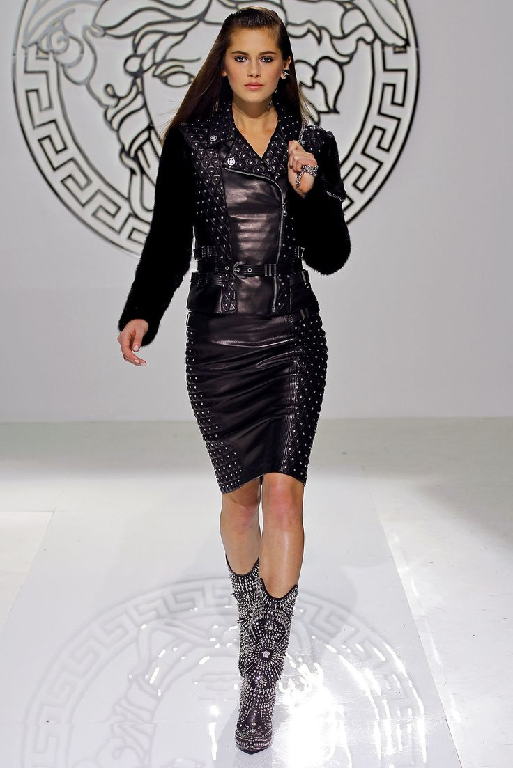 clothes ship worldwide Versace Fall 2013 Ready to Wear Collection Photos   Vogue