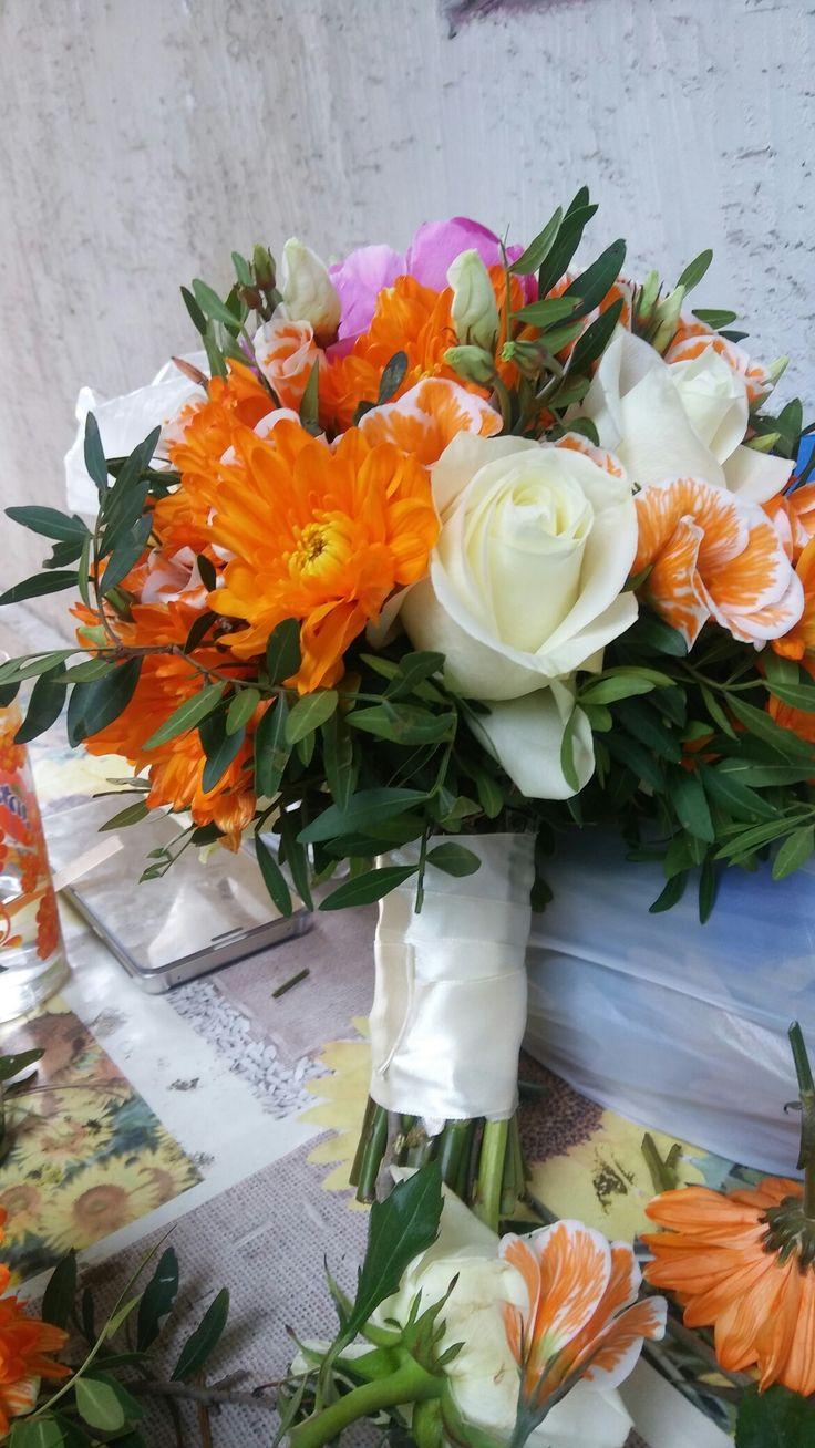 Сочный летний букет невесты