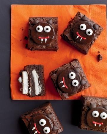Scaredy-Cat BrowniesHalloween Parties, Everyday Food, Scaredycat Brownies, Brownies Recipe, Martha Stewart, Halloween Treats, Halloween Food, Scaredy Cat Brownies, Halloween Ideas