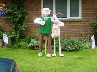 HAROLD'S CYCLING IN HERTFORDSHIRE: A visit to a scarecrow festival