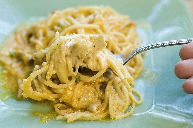 Chicken Spaghetti Casserole by The Pioneer Woman: Ree Drummond, Chicken Spaghetti Recipes, Spaghetti Casserole, Pioneer Woman Chicken, Casseroles, Chickenspaghetti, The Pioneer Woman, Comforter Food, Freezers Meals