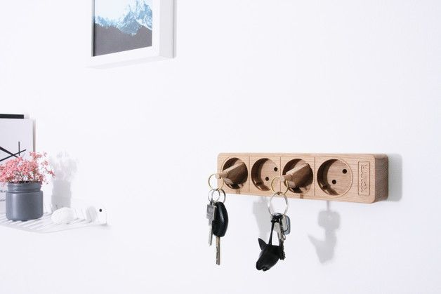 Originelles Schlüsselbrett aus Eiche, Steckdose / wooden key chain in shape of a socket, home decor made by kitschcanmakeyourich via DaWanda.com