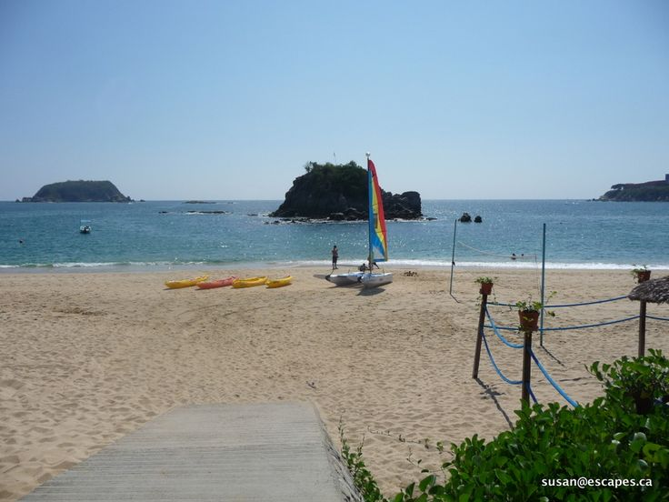 Barcelo Huatulco, located on a great bay, perfect for swimming, kayaks and catamarans