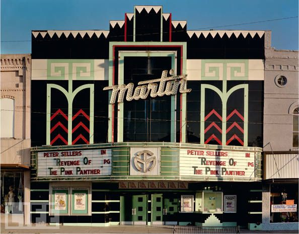 these old movie theaters were so fun to go to...