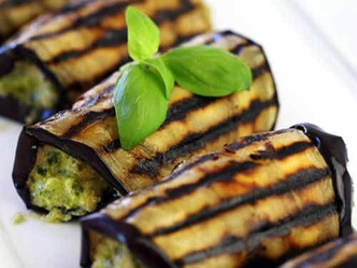 Eggplant is one of those recipes that I'd like to use often, and yet, whenever I decide to prepare it, all I can think of is eggplant Parmesan. How unsatisfying. Just this past weekend I was eating...