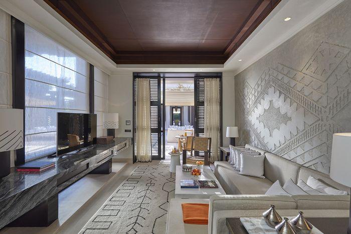 Un palais marocain d'un goût exquis, dont les intérieurs ont été modelés par le duo Gilles & Boissier, culmine depuis octobre sur l'hôtellerie de la Ville Rouge. Une ville du Mandarin Oriental de Marrakech.