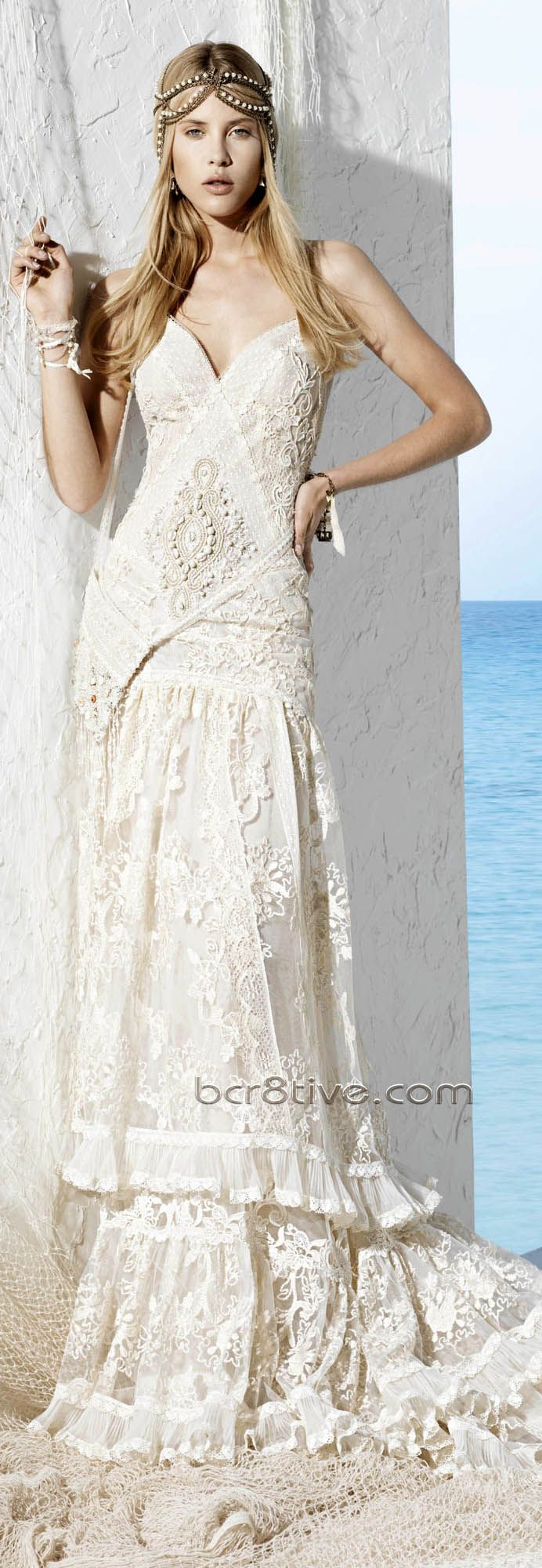 Boho wedding dress...Not that I'm ever getting married, but this is gorgeous!