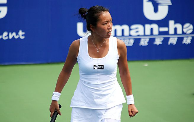 GUANGZHOU, China -- American Qualifer Vania King advanced to the SFs of Guangzhou Open. Vania beat #8-seed Monica Puig of PR 1-6, 7-5, 7-6 (5).  Also, unseeded Yvonne Meusburger  upset #2-seed Alize Cornet of France 6-4, 6-1. Zheng Jie beat #3-seed Laura Robson of Britain 1-6, 7-6 (6), 6-2.  Wild-card entry Shuai Zhang of China defeated Johanna Konta of Britain 7-5, 6-3. Varvara Lepchenko also advanced in doubles with partner Zheng Saisai. Shuai Zhang & Yvonne Meusburger also advanced…