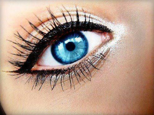 You can make your eyelashes look even longer by going three quarters of the way up on the top lashes with black and do the tips with brown then coat the bottom lashes with brown.