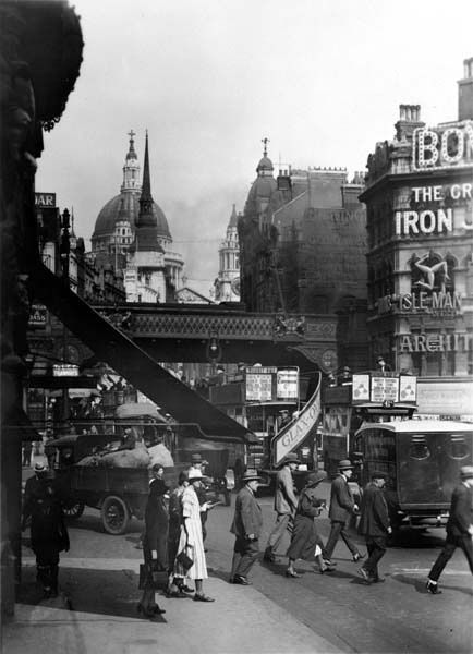 St Paul's Cathedral from Ludgate Hill, George Reid, London (1920s)