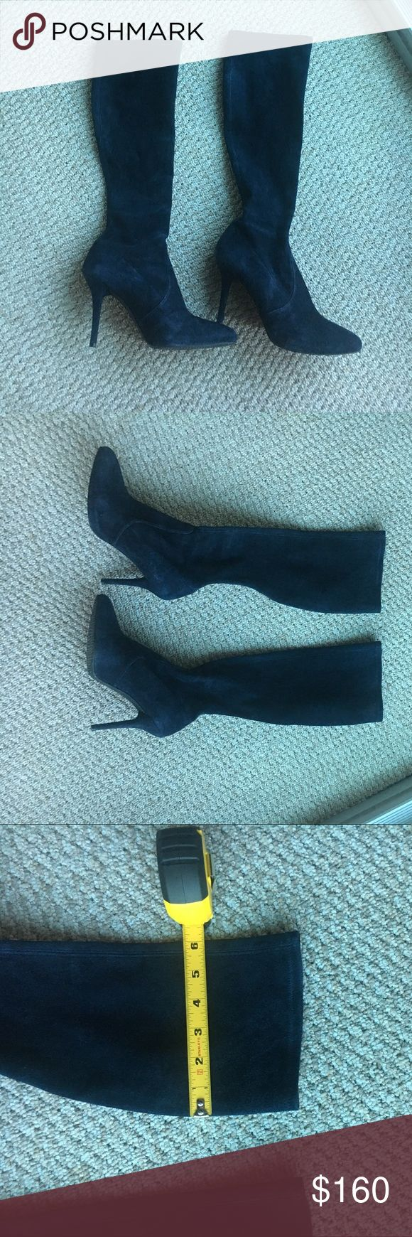 Stuart Weitzman Knee High Navy Suede Boots -8.5 Stuart Weitzman Knee High Navy Suede Boots. In very good condition, gorgeous color, super soft suede, that does stretch a bit. Just ended up being a tad big for me.   I am open to offers !   Please ask if you have any questions :) Stuart Weitzman Shoes