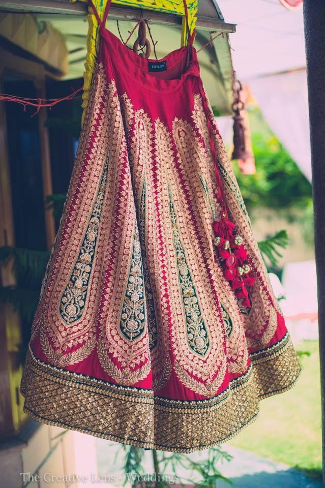 Sabyasachi bridal lehnga. Indian bridal fashion.