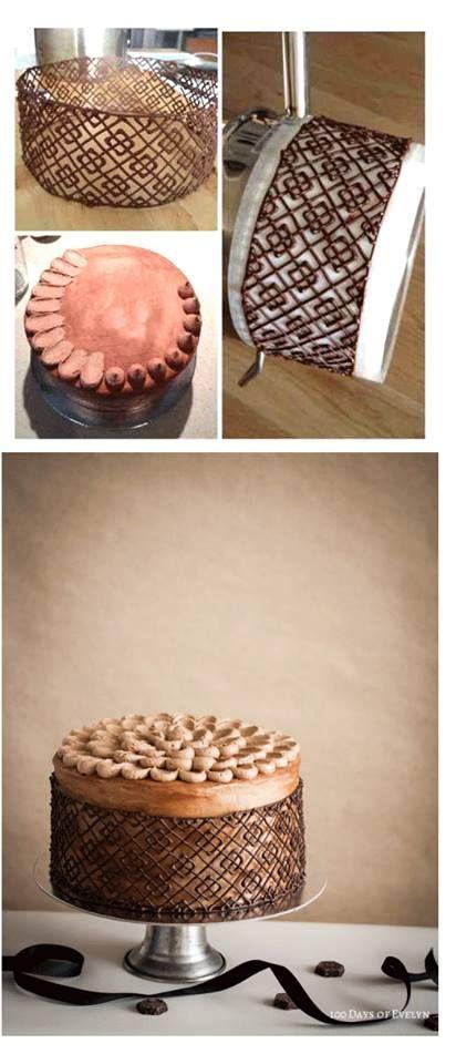 Gâteau au chocolat Cage http://100daysofevelyn.com/2013/08/11/chocolate-cage-cake/