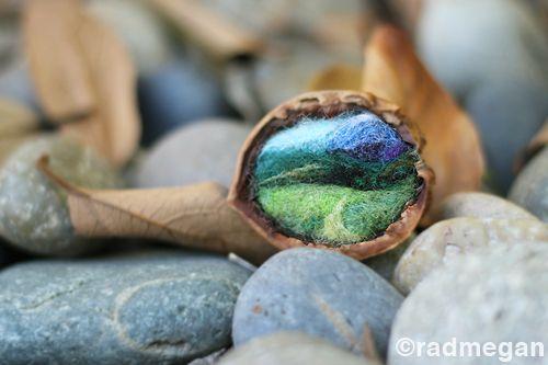 Needle feltingNeedlefelting Crafts, Walnut Shells, Needle´S Felt Landscapes, Twists Toys, Felt Diy Guide, Crafty Arty, Tiny Landscapes, Needle Felting, Astonishing Pin
