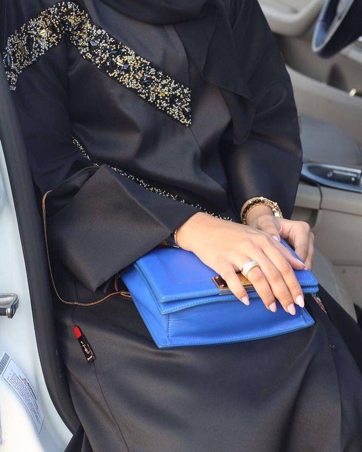 #Repost @deram_fashion with @instatoolsapp New looks #abayas #l4l #intm