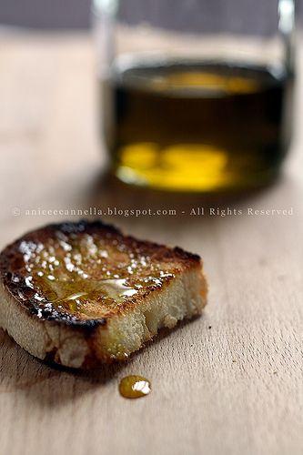 """Tempo fa' Marjlet  mi raccontava, che la sua mamma fa un pane con quello che lei chiama """"criscito""""  ma che in realtà è una biga rinfrescat..."""