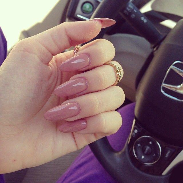 long oval nudish pink nails