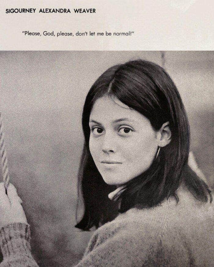 Фотография Сигурни Уивер в школьном альбоме, 1967 «Пожалуйста, Господи, пожалуйста, не дай мне быть нормальной»
