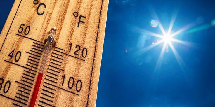 Canicule en France : quelles sont les conséquences économiques ?    En plus des conséquences sanitaires, les vagues de fortes chaleurs affectent également l'économie. La canicule de l'été 2003 aurait ainsi coûté au moins 15 milliards d'euros.
