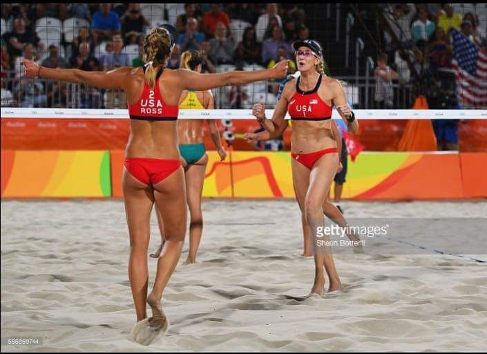 April Ross and Kerri Walsh Jennings \\ Rio Olympics 2016