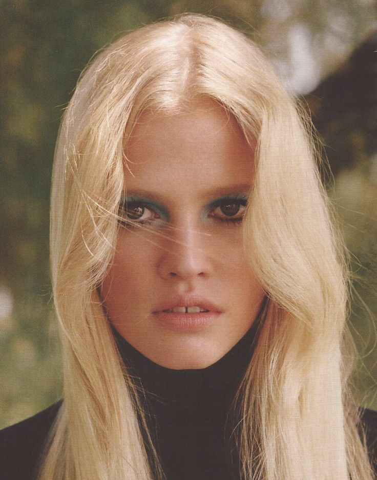 Lara Stone by Alasdair McLellan for Vogue UK Oct.