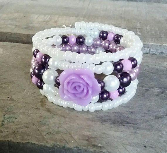 Retrouvez cet article dans ma boutique Etsy https://www.etsy.com/ca-fr/listing/568230281/bracelet-mauve-bracelet-lilas-bracelet