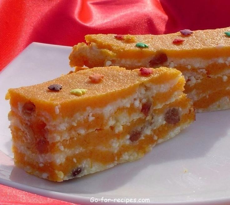 PUMPKIN, BAKED WITH CHEESE AND RAISINS