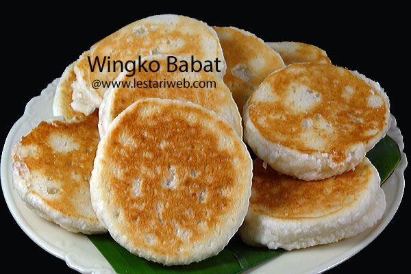 WINGKO BABAT is a traditional Javanese pancake-like snack made from grated coconut, sugar and glutinous rice flour. This snack is originated in Babat, a small regency in Lamongan, a municipality in East Java Province. Wingko Babat is the proud of Lamongan city beside their famous SOTO LAMONGAN.