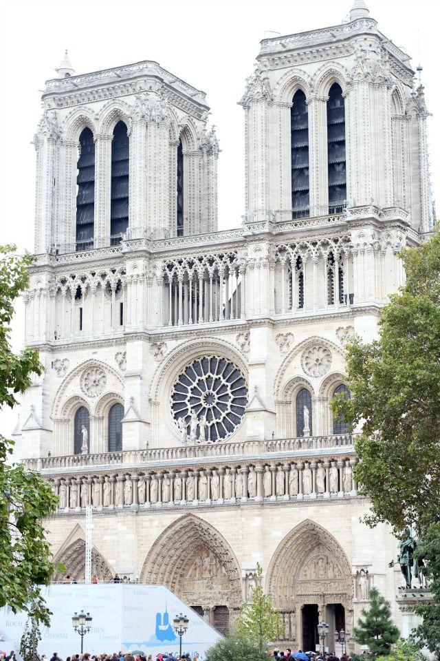 Let�s take a walk through Paris