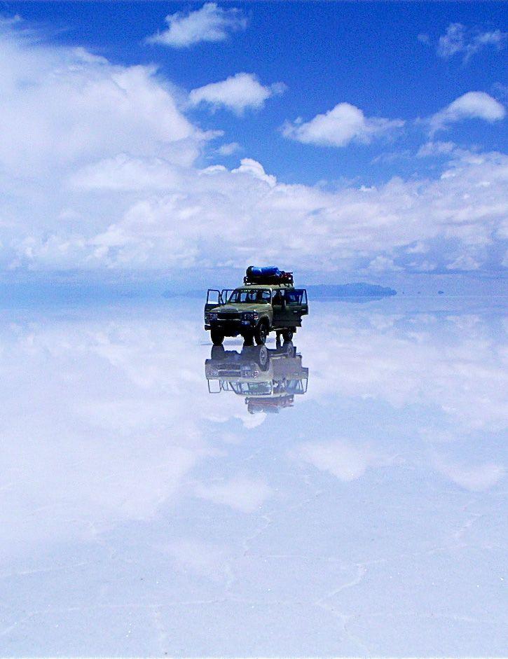 Salar de Uyuni, el lugar donde se unen el cielo y la tierra. #travel #viajar http://escapadafindesemana.org/