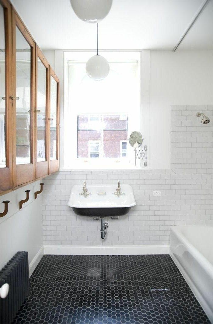12 best salle de bains images on pinterest bathroom for Salle de bain noir et blanc